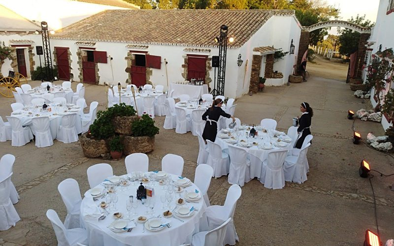 Cena para nuestros clientes Events and Co y servido para Renault Italia en la Finca La Calera