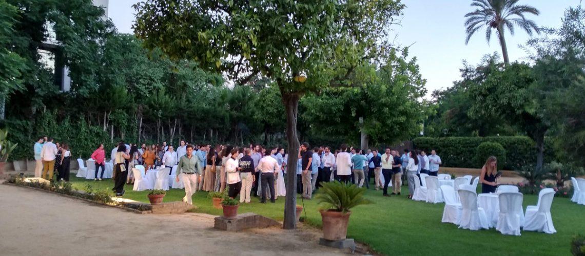 Fantástico Cocktail de Verano para Deloitte realizado por Trevian Catering