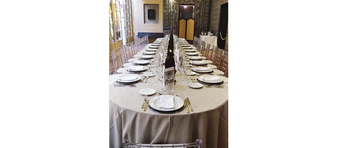 Cena de Gala en mesa imperial en el Palacio de La Condesa de Lebrija